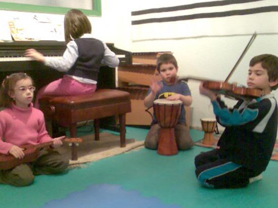 grupo con piano